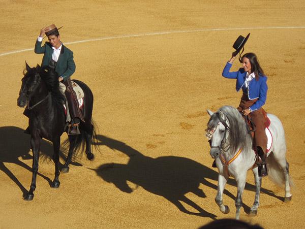 Víctor Puerto y el francés Juan Bautista salieron a hombros
