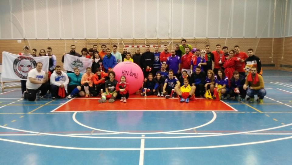 El Pabellón Cáceres ha acogido el I Autumn Cup de Kin-Ball