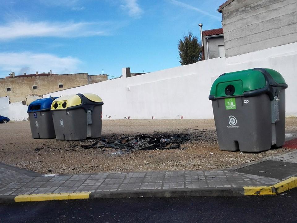 El Ayuntamiento insiste en el civismo para evitar quemas de contenedores