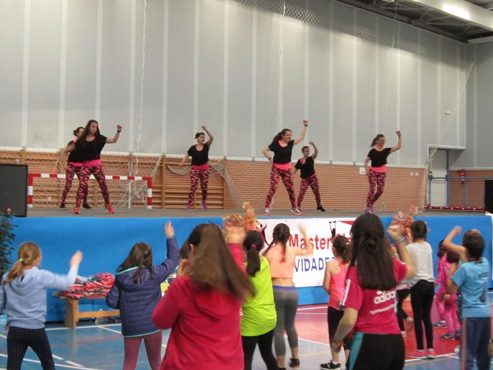 Deporte y diversión solidaria en la III Master Class de las Actividades de Sala