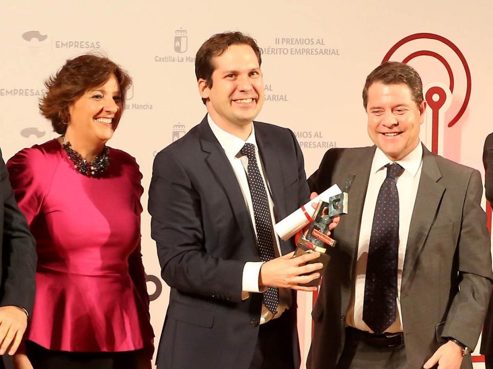 Felicitación a Puertas San Rafael por su Premio al Mérito Empresarial