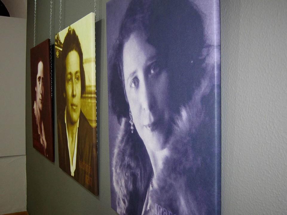 Una exposición sobre las tres primeras mujeres diputadas para celebrar el 8M