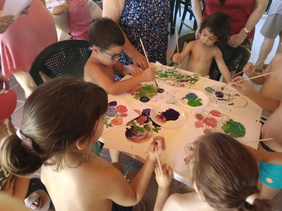 Abuelos y nietos compartieron actividades en la Piscina para celebrar el Día del Abuelo