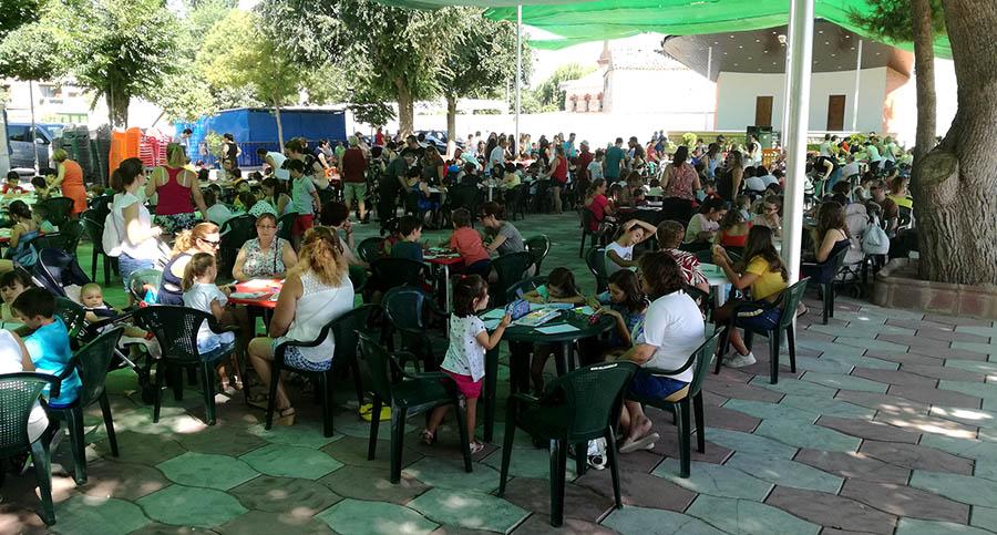 Niños y niñas pintan sobre Villacañas y la Feria en el Concurso de Pintura Infantil