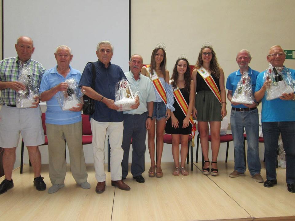 Entregados los premios a los ganadores de los Torneos de Feria del Centro de Día