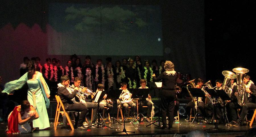 La música del fuego, la tierra, el aire y el agua protagonizó el concierto de Navidad de la Escuela Municipal de Música