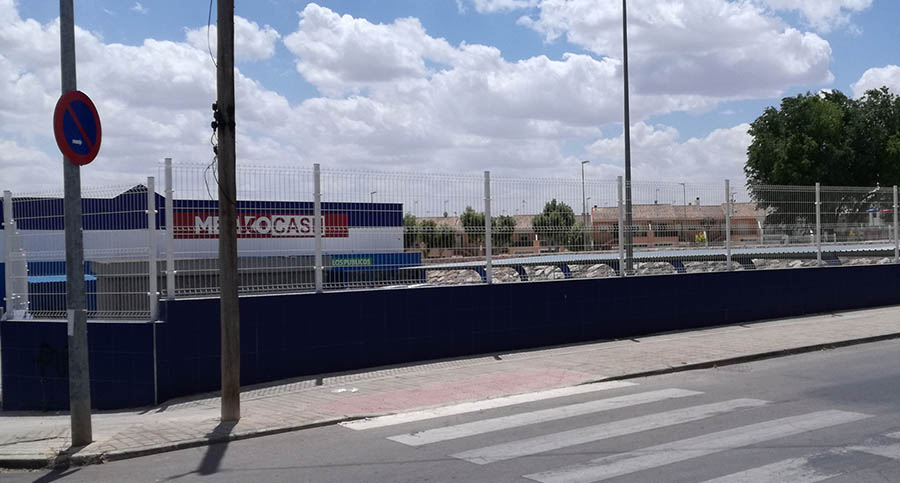 Nuevas señales para regular el aparcamiento en un tramo de la calle Chacón