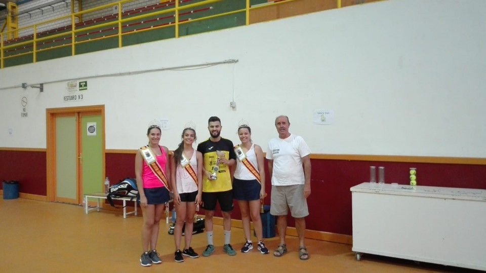 Miami Dyc repite victoria en la Liga de Verano de Baloncesto y Esteban Pacheco gana el Torneo de Feria de Tenis