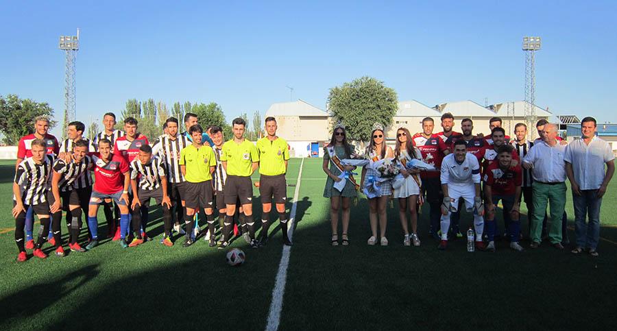 Buena imagen del nuevo CD Villacañas, que se llevó el Trofeo de Feria al ganar 2-0 al Criptanense
