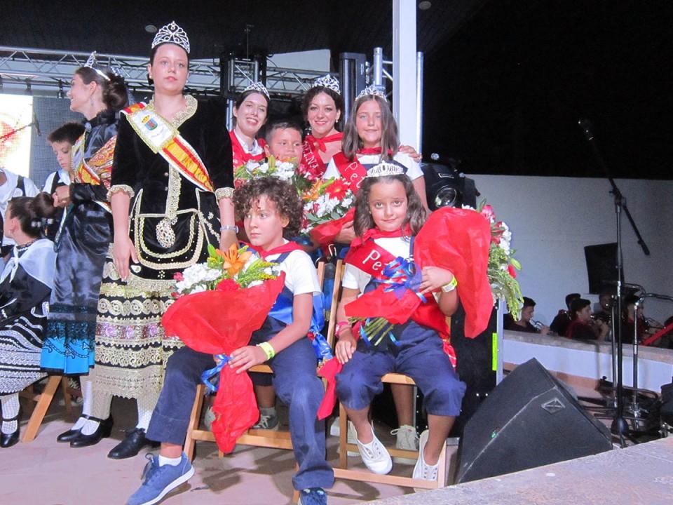 Una multitud asistió al Chupinazo inaugural de la Feria 2019