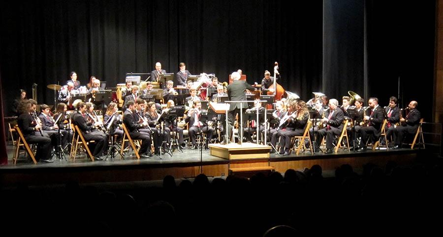 Teatro abarrotado para disfrutar del Concierto de Santa Cecilia de la Banda, que ayer actuó también en Villarrobledo