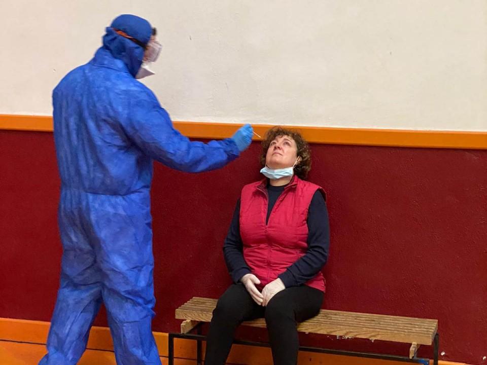 Realización de test PCR a trabajadores y voluntarios villacañeros más expuestos